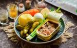 Cлоёный салат из печени трески