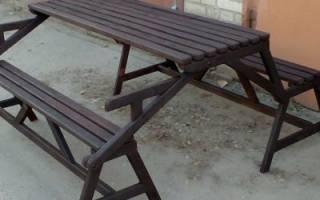 Деревянный стол и скамейки для дачи