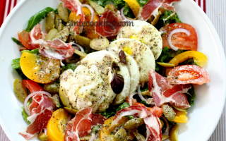 «Салат с сыром моцарелла и травяной заправкой»
