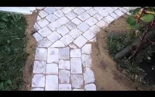 Как сделать садовую дорожку из кирпича своими руками