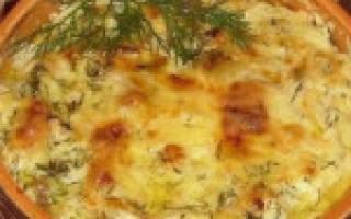 «Картошка с курицей и грибами под соусом в глиняных горшочках»