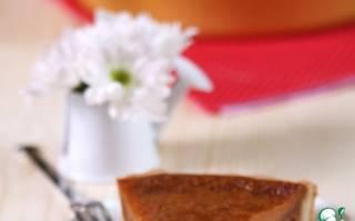 Пошаговый рецепт приготовления пирога с вареной сгущенкой и яблоками.