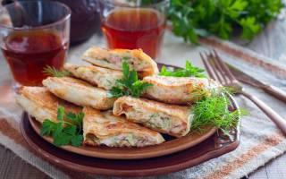 Жареный лаваш с колбасой и сыром.