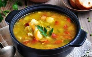 Суп с копчеными колбасками.