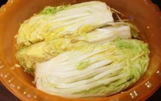 Кимчи острая корейская закуска на основе пекинской капусты