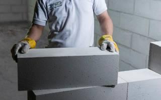 Кладка наружних и внутренних стен из газобетонных блоков.